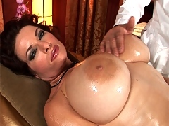 Goldie gets her massive tits rubbed