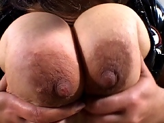 Mellie D squeezes her tits and clit