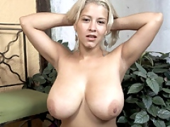 Cynthia Romero playing with her naturals